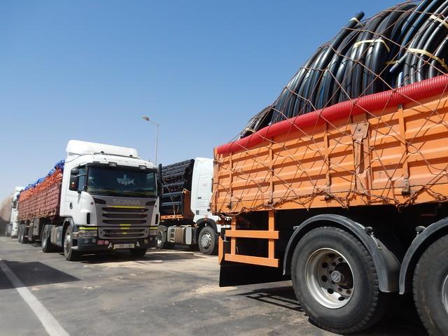 Trucks at El Guerguarat