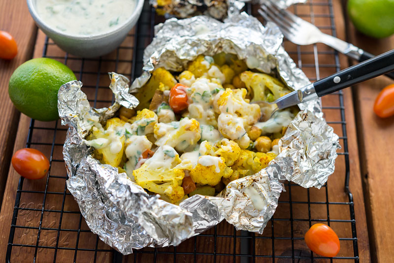 Curry Cauliflower Grill Packets with Savory Vegan Yogurt Sauce - #glutenfree, delicious and great for cookouts and camping! #vegan #doplants #silk