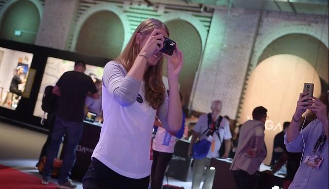 En la presentación del iFA16 de Motorola, del Z Play; transforma el móvil en una verdadera cámara fotográfica con zoom óptico de 10 X, esto deja en un chiste el anuncio del iPhone 7 con zoom óptico de 2X