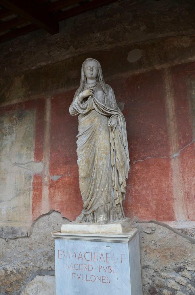 Building Of Eumachia Statue Of Eumachia Pompeii