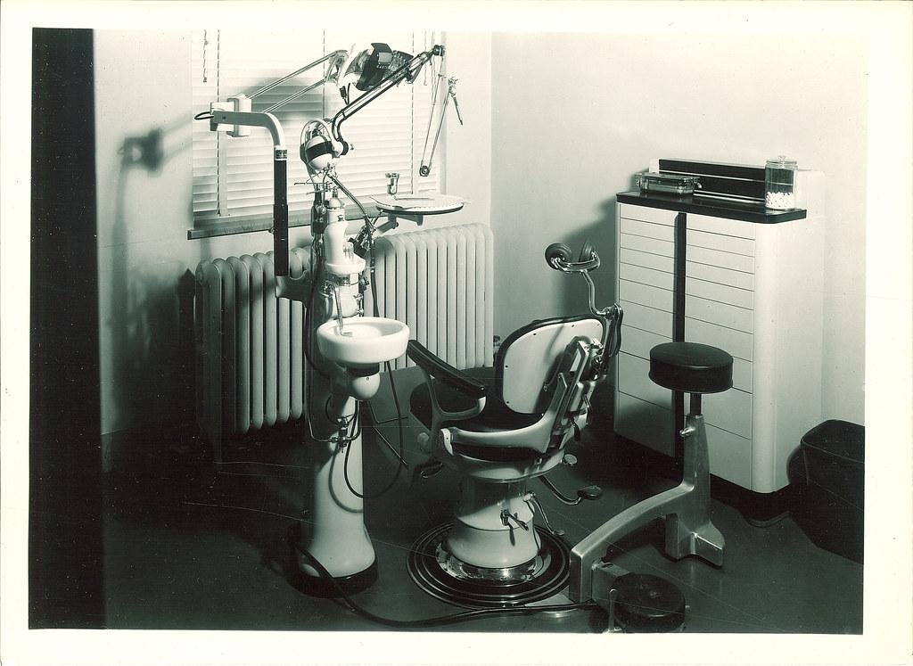 Dental Chair And Equipment The University Of Iowa 1950