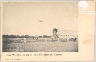 El ingeniero Ortíz Echagüe, formado en la Academia de Guadalajara, es entre otras cosas el fundador de Construcciones Aeronáuticas,S.A., CASA, EADS en España y posteriormente Airbus Military y Space and Defense. Además tambien lo fue del SEAT. Un reconocido fotógrafo, que tomaba esta instantánea del dirigible España, en el Parque de Aerostación, junto al hangar, entorno a 1906-7