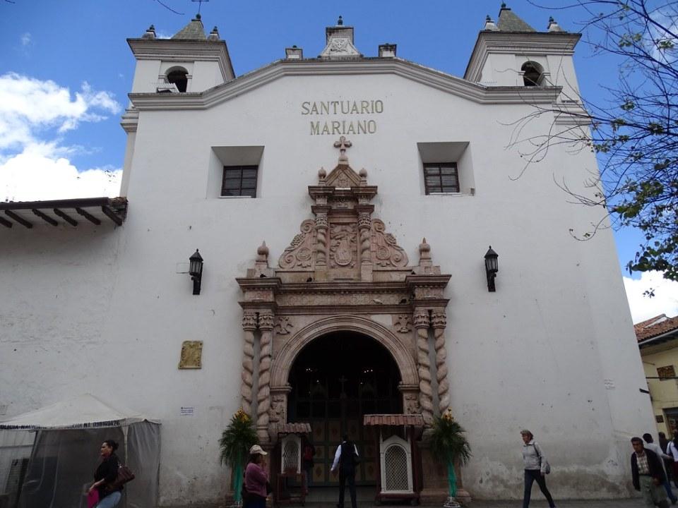 Iglesia Santuario Mariano Cuenca Ecuador 01