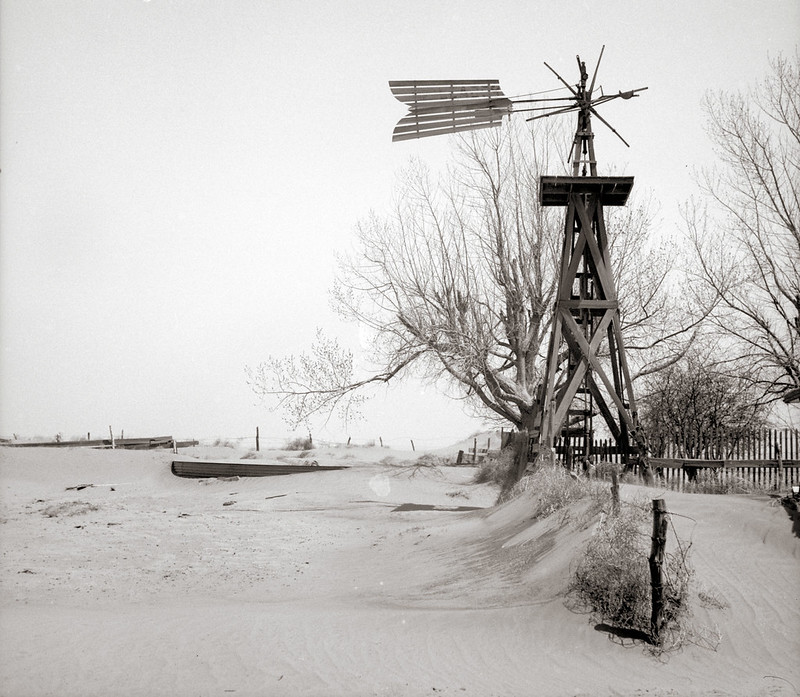 Rothstein, Arthur, photographer. Windmill and tank on an abandoned farm. Cimarron County, Oklahoma. Apr, 1936.