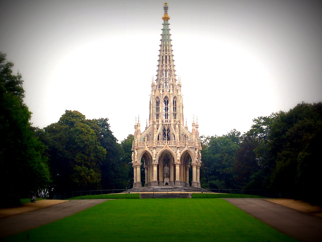 Brussel Belgium Monument Of The Dynasty In Front Of The