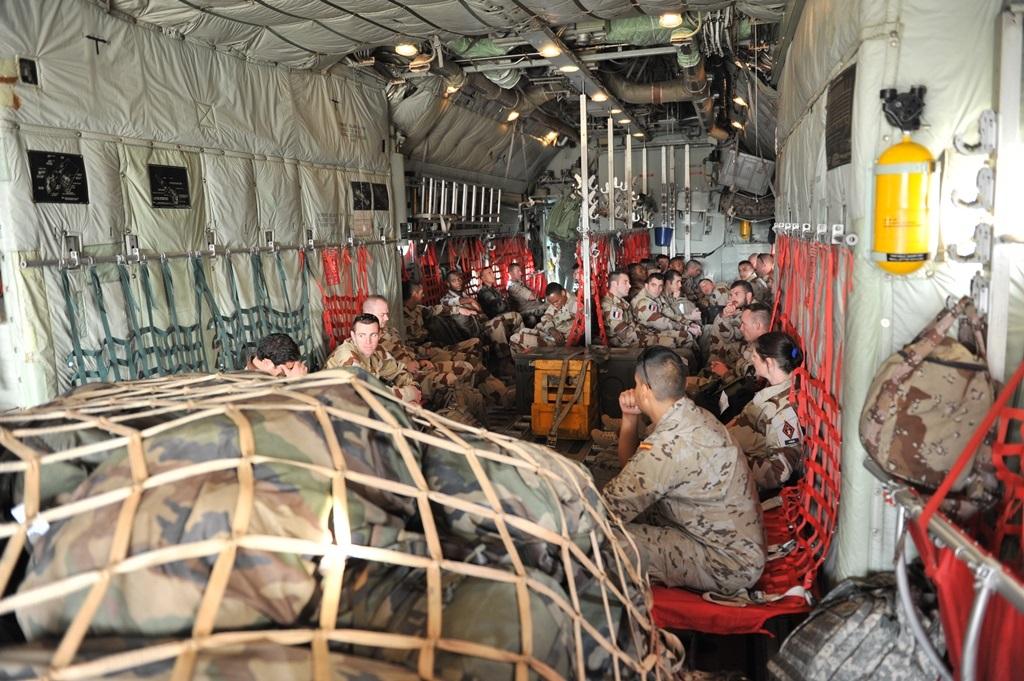 10092016 Interior De Un Avin Hercules C 130 Espaol Que