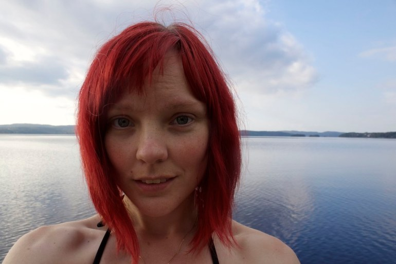 Selfie by the lake - reaktionista.se