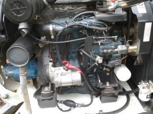 Bobcat 331 engine  Kubota V2203   mellimac   Flickr