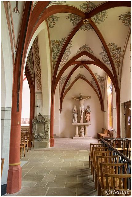 Sint Peter en Paulkerk in Echternach Luxemburg. Rijk aan schilderwerk maar voor de rest vrij sober.