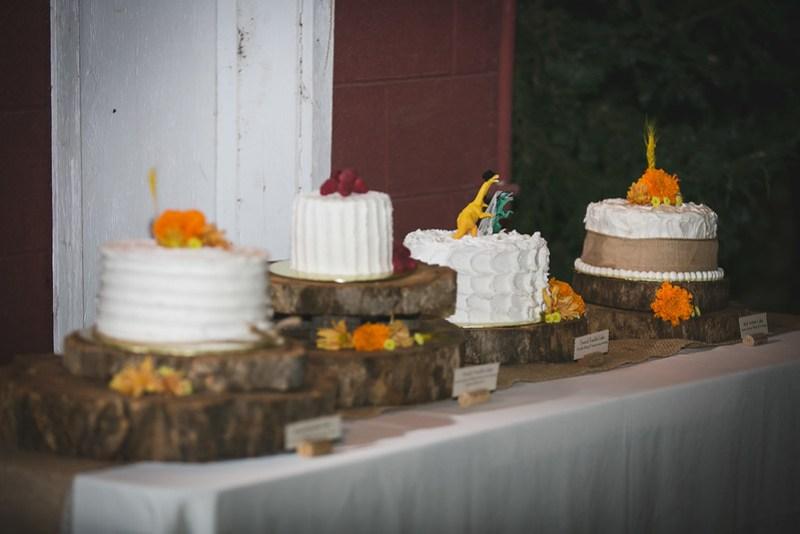 Rustic wedding ideas from @offbeatbride