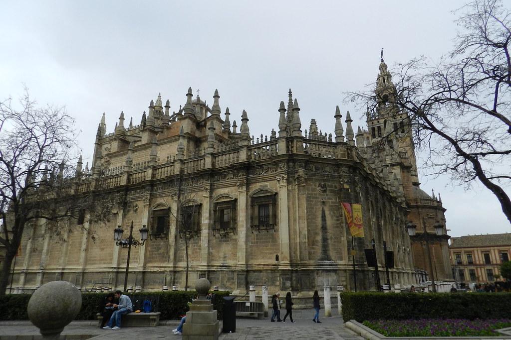 Fachada sur y este Catedral de Sevilla 14
