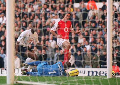 Image result for tottenham 4-5 arsenal pires