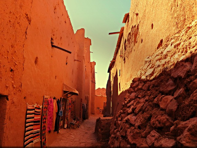 ksar ait benhaddou, day trip to ouarzazate and ait benhaddou, morocco day trips