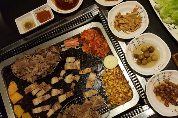 korean dinner at cafe chosun malate