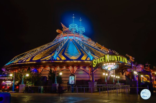 Space Mountain : Mission 2 by Night | New Facebook Page ...