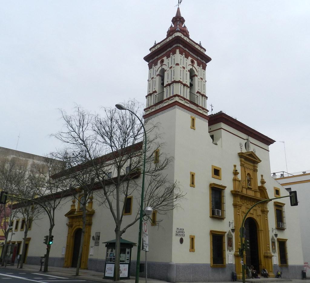 fachada Iglesia de San Roque Plaza de Carmen Benitez Sevilla 02