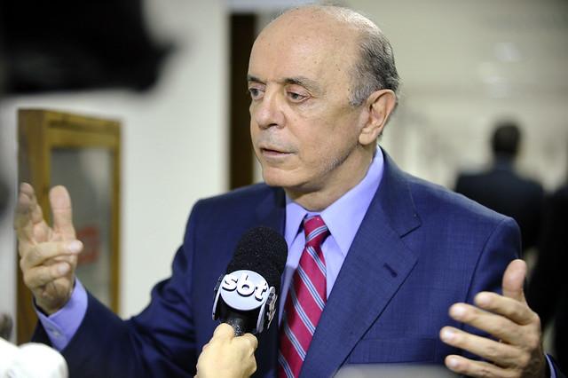 Senador tucano, José Serra vai propor fim do domicílio eleitoral