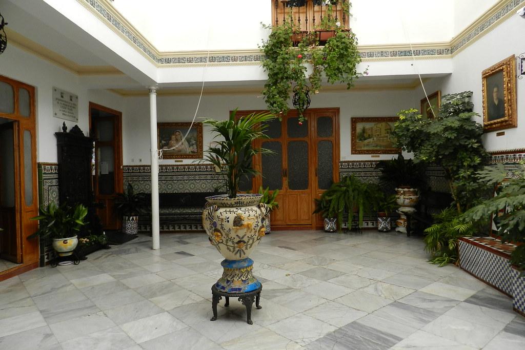 patio con ceramica azulejos Casa Don Bosco Ronda Malaga 03