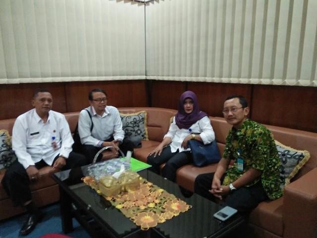 Koordinasi KPU Tulungagung dengan Bagian Pemerintahan Pemkab Tulungagung(2/8)