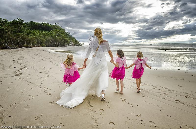 Star Wars beach wedding from @offbeatbride