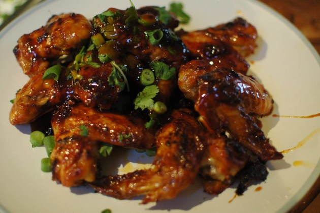 Sriracha Glazed Wings 03