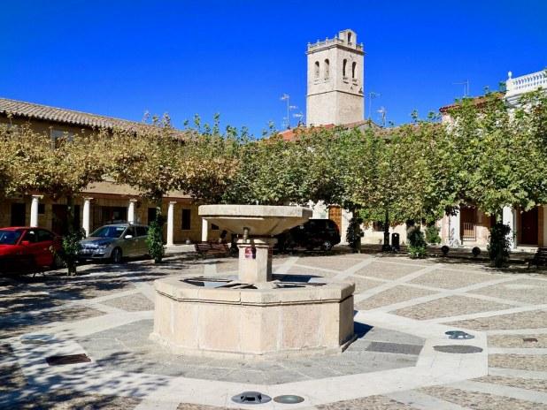 Visitar Torija, plaza e iglesia de la Asunción