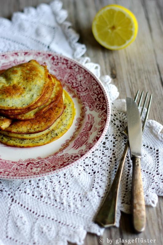 banana poppy seed pancakes by glasgeflüster 2 klein