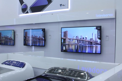 Lavadoras, televisores y mucho más en las tiendas Samsung Experience Store, como esta de CLX Samsung.