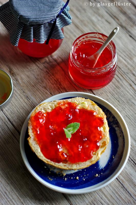 erdbeer aprikosen gelee mit minze by glasgeflüster 5 klein