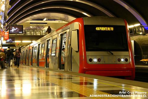 Metro de Santiago - Alstom AS2002 R4445 - Cristóbal Colón (L4)