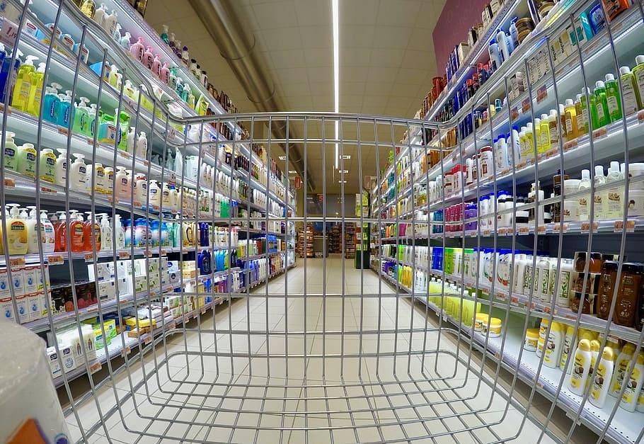 Risultato immagini per vaccinazioni covid supermercati
