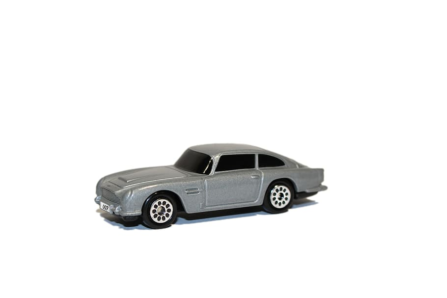 Popular desktop 1336x768 1920x1080 3840x2160 1280x800 1440x900 1280x1024 1600x900 1024x768 1680x1050 1920x1200 1360x768 1280x720. Hd Wallpaper Aston Martin Martin James James Bond Auto Toy Car 007 Wallpaper Flare
