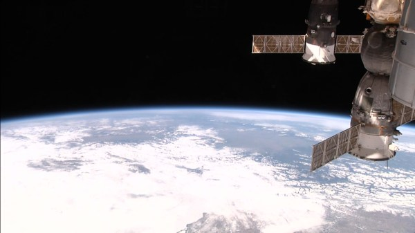 NASA ISS HD cameras show us an incredible view of our ...