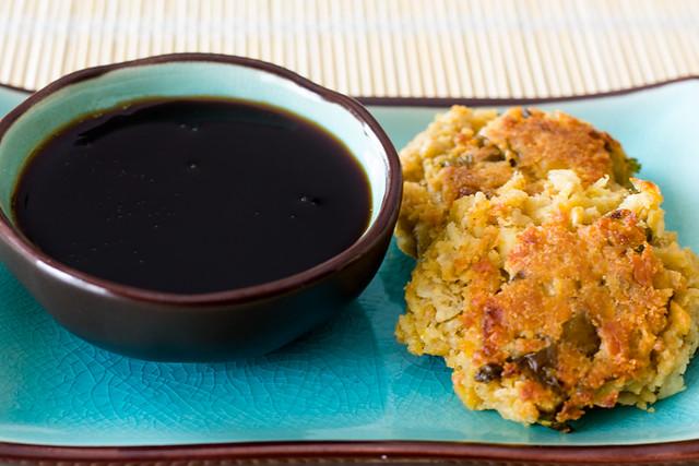 Croquetas de garbanzos con salsa teriyaki