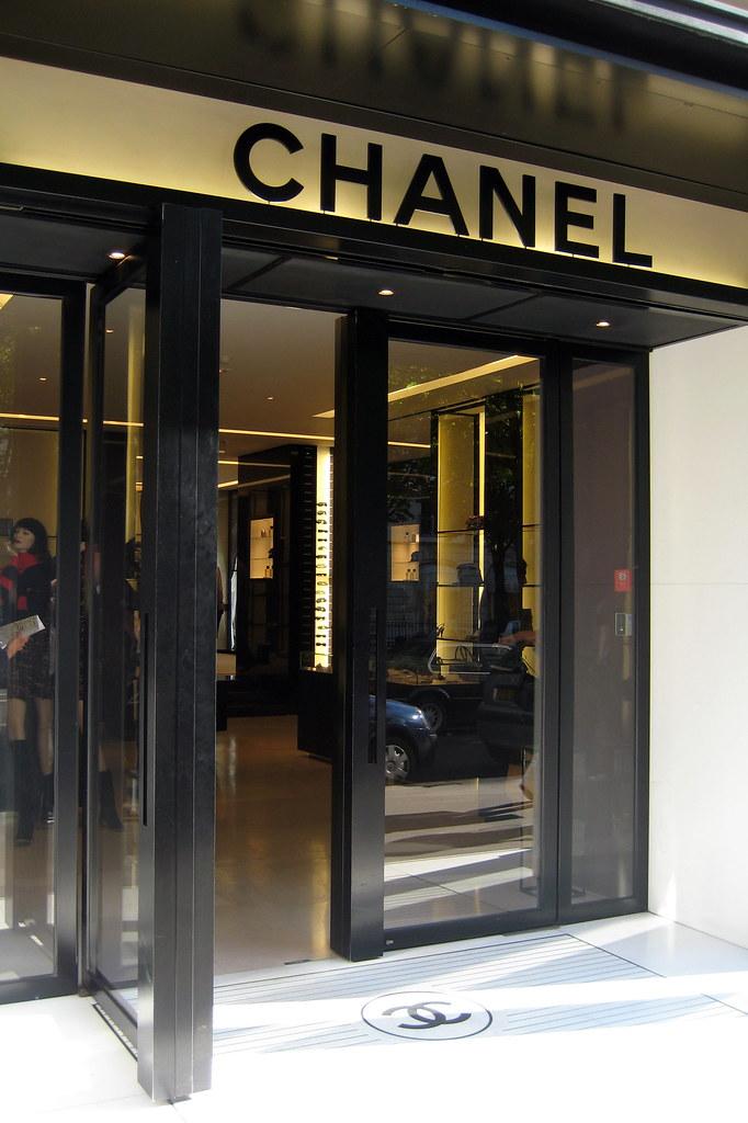 Paris Avenue Montaigne Chanel The House Of Chanel