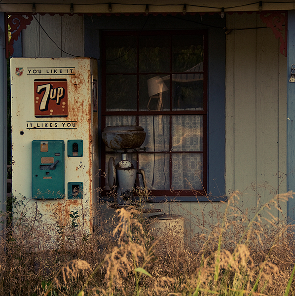Abandoned 7 Up machine and storefront - Fredericksburg, Texas U.S.A. - July 22, 2008
