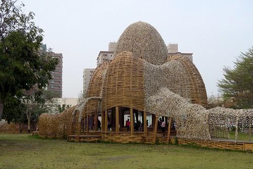 高雄「聚 竹蚵地景藝術」:用竹與蚵編串的戶外藝術作品(11.7ys)