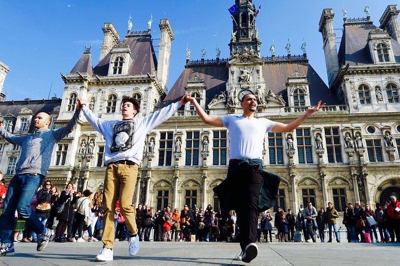 we caught these break dancers entertaining the crowd in front of Hôtel de Ville