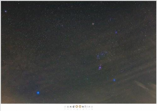 Orion vanuit het centrum van een stad, 8 opnamen gestacked en zoveel mogelijk lichtvervuiling weggefilterd ISO3200 - f/2,8 - 5 sec, postprocessing in Lightroom en Photoshop.