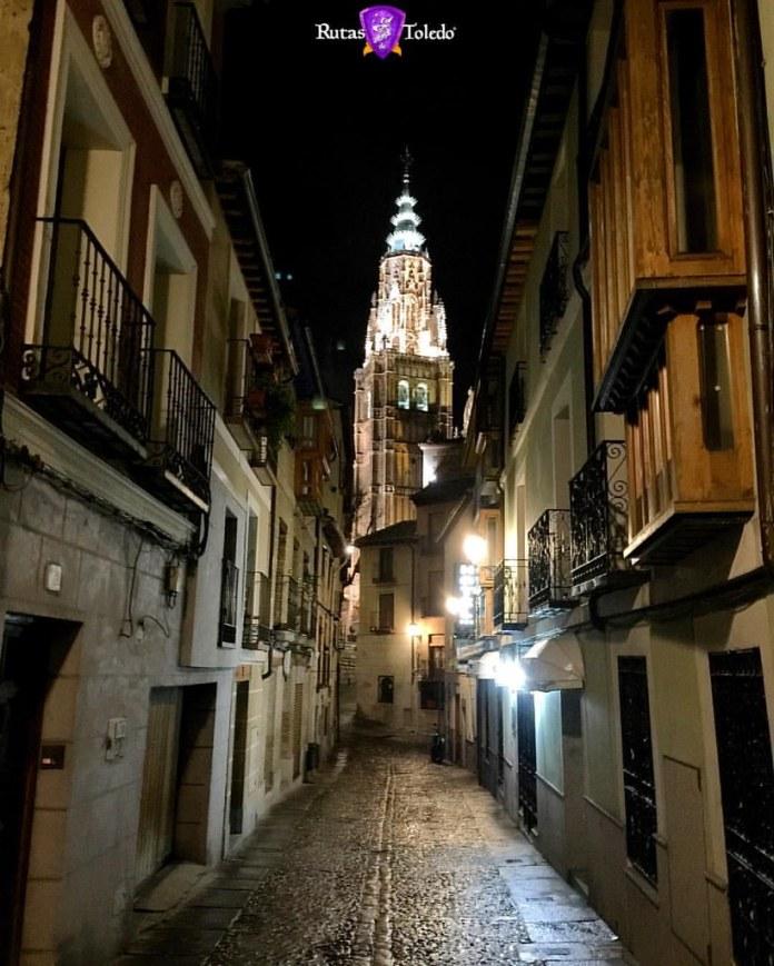 Toledo por la noche es único, diferente...