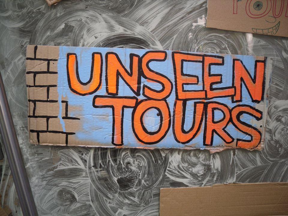 tour door London door een dakloze