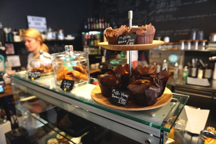 Gluten free muffins from Bears and Raccoons - gluten free restaurant in Paris, France