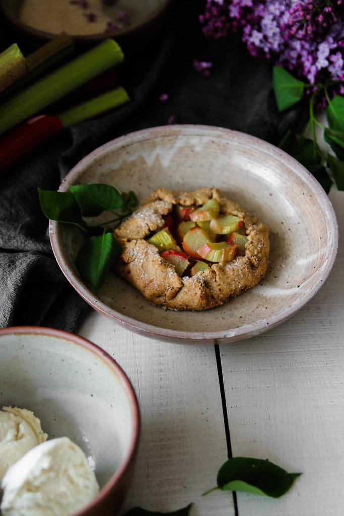 Tartelettes rustiques à la rhubarbe sans gluten