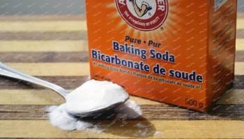 Muối baking soda để khử mùi cho bình giữ nhiệt