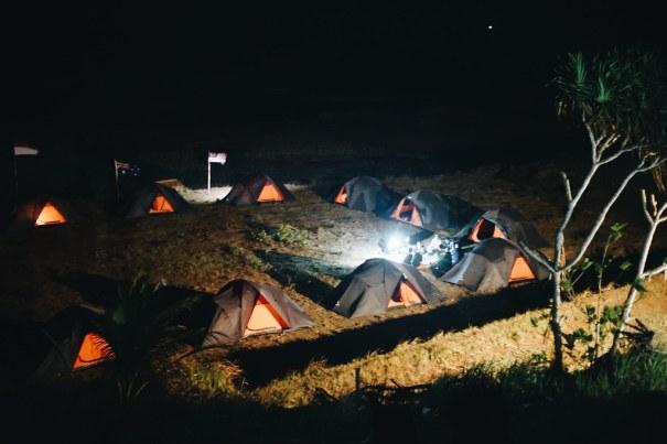 Menginap di Pantai - World Traveler Meeting Rancabuaya