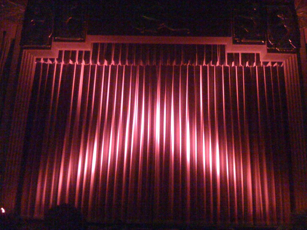 Closed Red Curtain At The Coolidge Corner Theatre Landsc