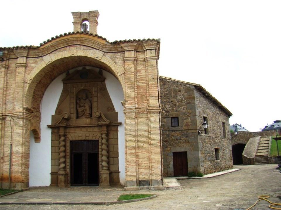 Huesca Iglesia del Castillo de San Pedro Jaca 17