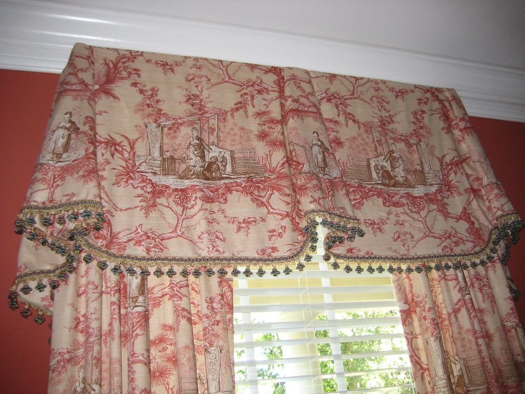 Chinoiserie Toile Valance Detail Of Dining Room Window