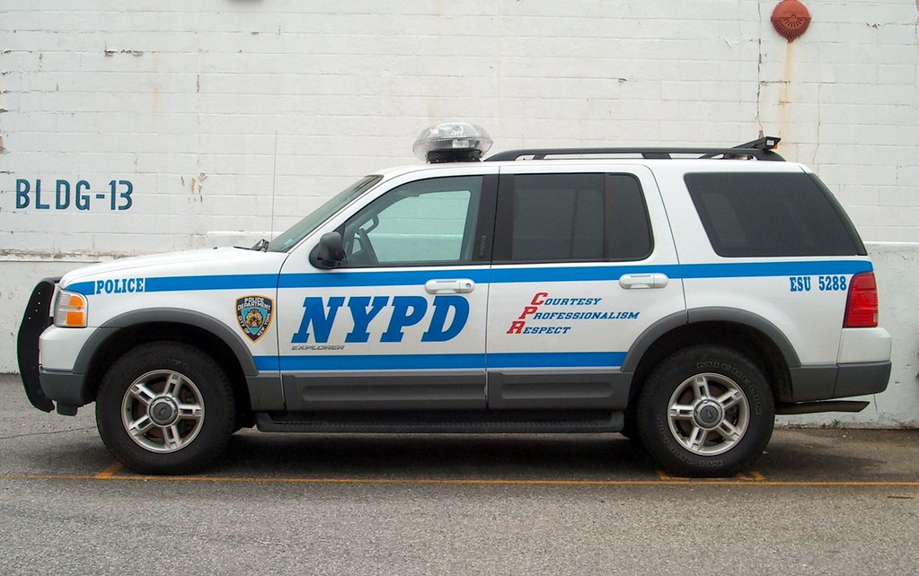 NYPD Emergency Services Unit ESU Command Car Ford Explor