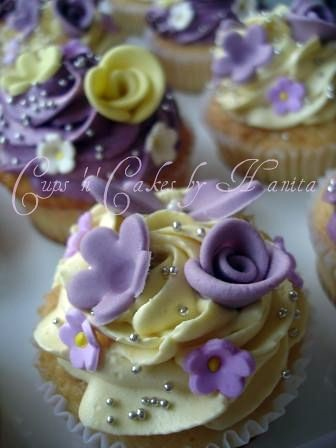 Yellow Amp Purple Cupcakes For An Engagement Gift Exchange
